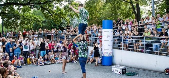 Co roku festiwal teatrów ulicznych przyciąga tłumy opolan.