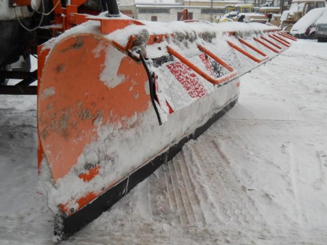 We wtorek do godziny 12 ma padać śnieg, później służby meteo przewidują, że w naszym regionie mogą wystąpić opady deszczu. Drogowcy jak twierdzą są gotowy na kolejny atak zimy. Zdjęcie ilustracyjne