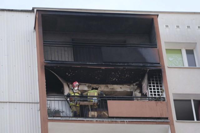 Do pożaru doszło około godziny 11.20 w bloku przy ulicy Keplera 8. Zapaliło się mieszkanie na 10. piętrze.  Zobacz więcej zdjęć ---->