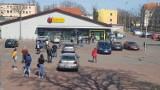 Wielkanoc 2020. Tak wyglądał świąteczny weekend w Krośnie Odrzańskim. Mieszkańcy stali w kolejkach przed sklepami