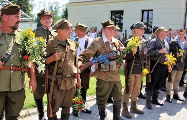 """Od kilku lat organizowane są w Szczebrzeszynie uroczystości na których wspomina się działalność """"Podkowy"""" oraz dowodzonych przez niego partyzantów"""