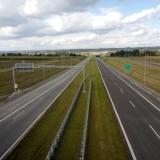 Budowa TRASY S7. Pierwszy odcinek już prawie gotowy! Kiedy kierowcy pojadą 13-kilometrowym odcinkiem S7 w północnej Małopolsce? [ZDJĘCIA]