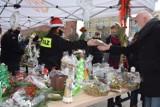 Kiermasz dla Celinki na rynku w Żninie. Kolejna akcja pomocy, tym razem w świątecznym klimacie [zdjęcia]
