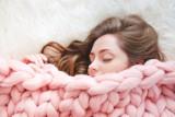 Takie sny ma każdy! Sprawdź, co oznacza sen o dziecku, pogrzebie, zębach i... Co mówi sennik o znaczeniu snów?