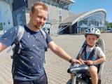 Sezon rowerów miejskich w Jastrzębiu oficjalnie rozpoczęty. Można już wypożyczać jednoślady. Pierwsi mieszkańcy już skorzystali