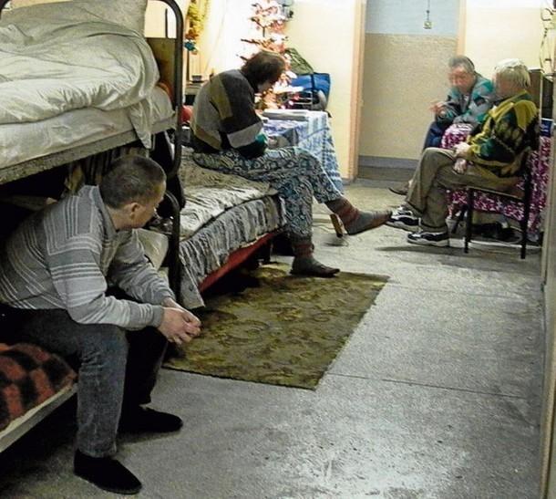 Wszyscy wytypowani do eksmisji  dłużnicy mają już wyroki eksmisyjne. Jeśli gmina  do 31 sierpnia nie dostarczy dla dłużników lokali, zostaną wysiedleni do noclegowni przy ul. Strażackiej.