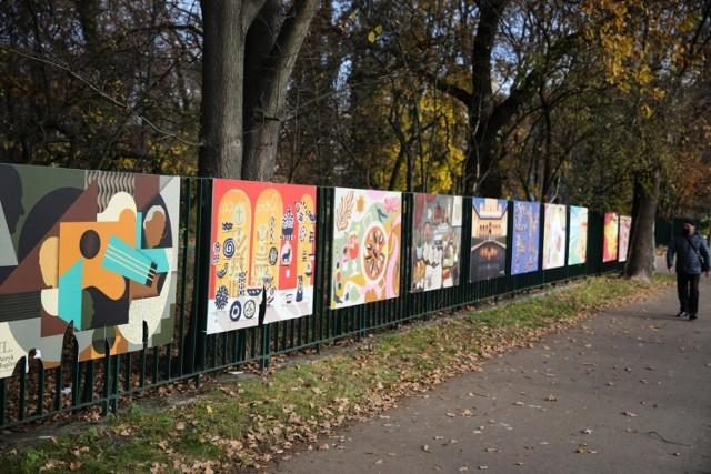 Wystawę można oglądać w parku im. dr. Henryka Jordana przy al. 3 Maja do 10 stycznia. Wstęp jest wolny.