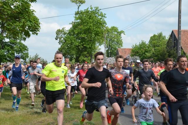 W kołćzyńskim biegu wzięło udział 980 zawodników.