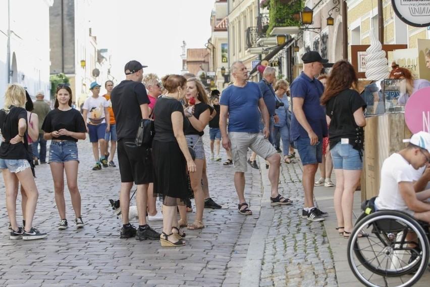 W tegoroczne wakacje do Sandomierza przyjeżdżają tłumy...