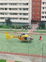 Kobieta wypadła z trzeciego piętra klatki schodowej. W Chorzowie lądował helikopter LPR. Zobacz ZDJĘCIA