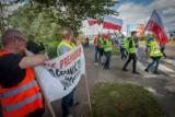 Protest armatorów wędkarskich jednostek we Władysławowie. Blokada wjazdu na Półwysep Helski. Zobaczcie zdjęcia i wideo!