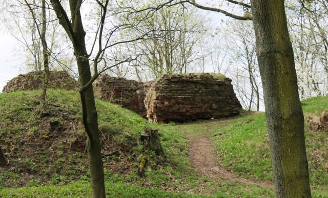 Na tym fragmencie ruin wąbrzeskiego zamku powstać ma platforma  widokowa