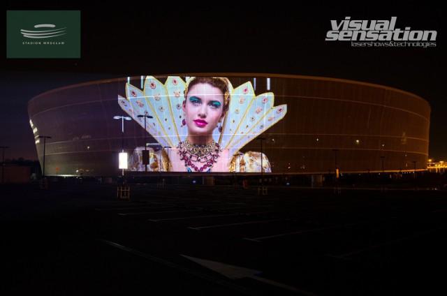Filmy będą wyświetlane na elewacji stadionu