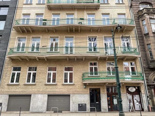 Przy ul. Straszewskiego 24, naprzeciwko Collegium Novum UJ, na nowego najemcę czeka lokal o powierzchni 27 metrów kw., na parterze, z wejściem od frontu budynku