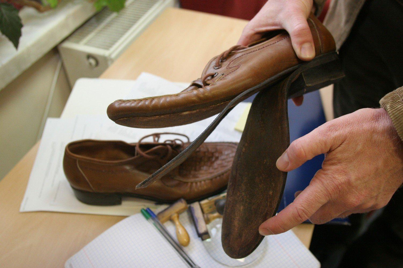 Zepsuły się buty, a sklep nie chce ich przyjąć? Co zrobić