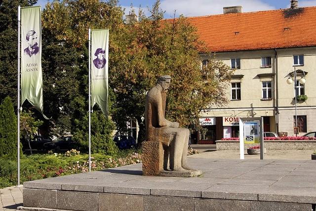 Sobotnie Kaliszobranie rozpocznie się przy pomniku Adama Asnyka.