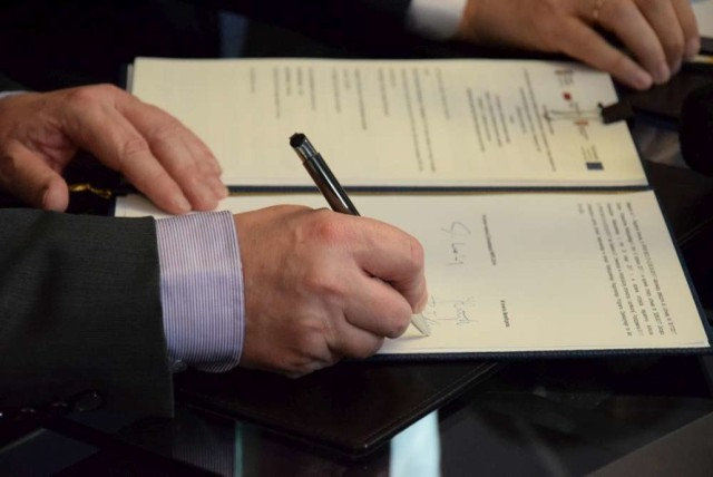 Podpisanie umowy na dofinansowanie budowy pilskiego hospicjum