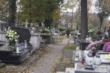 Uczniowie PSP 3 w Radomsku zaniosą chryzantemy na groby radomszczan. Kto przyłączy się do akcji?