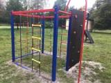 Nowe place zabaw w gminie Żarki, w Przybynowie i Ostrowie ZDJĘCIA