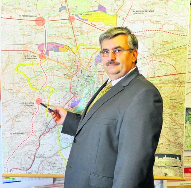 -Na całej długości droga będzie miała dwie jezdnie i cztery pasy ruchu - mówi Marek Ustrobiński, wiceprezydent Rzeszowa.