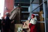 W Krakowie stanął nowy pomnik Jana Pawła II - dar od Węgrów [ZDJĘCIA]