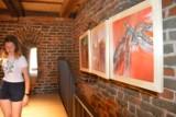 Wystawa malarska Krzysztofa Grzesiaka w wieży Sanktuarium św. Jakuba Apostoła
