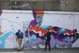 Nowy mural w Katowicach. Dzieło powstaje przy ul. Francuskiej oraz Tylnej Mariackiej ZDJĘCIA