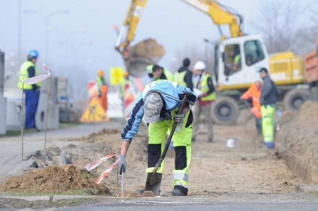 Czy mieszkańcy sołectwa Kiełpin doczekają się niebawem remontu drogi? (Zdjęcie ilustracyjne).