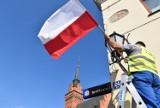 Tarnów już w biało-czerwonych barwach. Jutro święto Cudu nad Wisłą