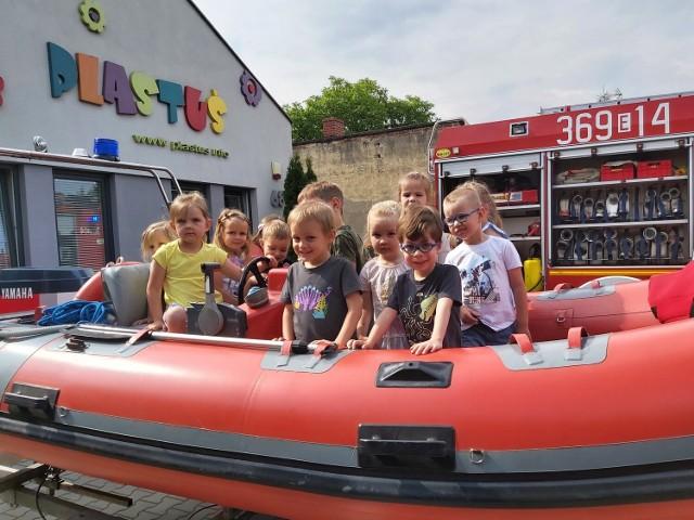 OSP Mokra Lewa z wizytą u przedszkolaków