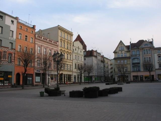 Kamienice przy rynku w Brzegu