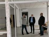 Nowy budynek powiatu już prawie skończony. Powstaną tam nowoczesne biura