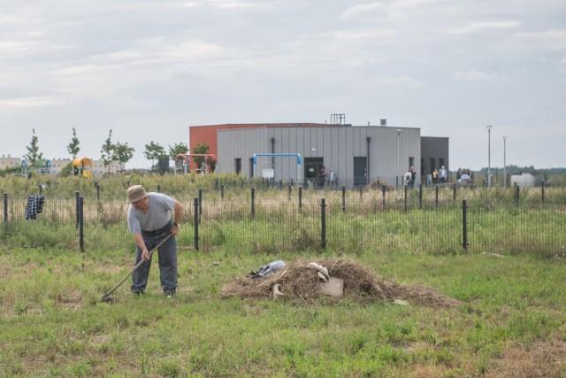 """Nowe ogrody działkowe przy ul. Przy Lotnisku powstały jako rekompensata po likwidacji ROD """"Zjednoczeni"""" na poznańskich Smochowicach. Przejdź do kolejnego zdjęcia --->"""