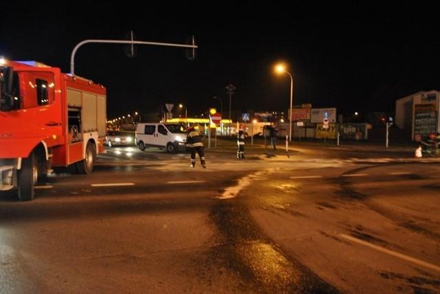Plama oleju w Sieradzu. Sprawca zamieszania na drodze spokojnie... odjechał