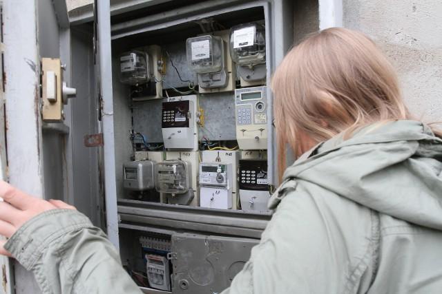 Kradzież prądu ułatwiają niezabezpieczone liczniki