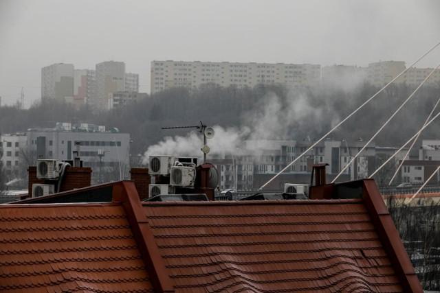Kujawsko-pomorskich miast z najbardziej rakotwórczym powietrzem jest aż sześć. Rekordzista przekracza dozwolone normy aż czterokrotnie!  W których miastach kujawsko-pomorskiego powietrze jest najbardziej rakotwórcze? Sprawdź na kolejnych slajdach >>>