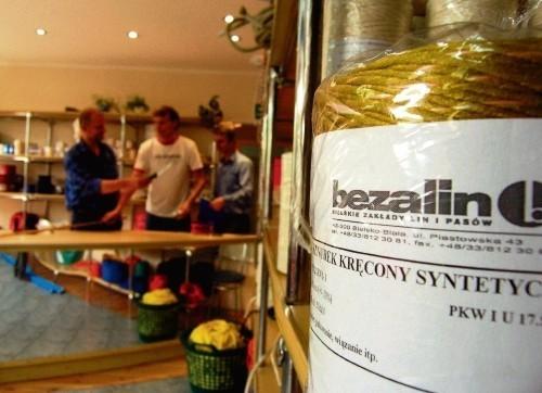 Bielski Bezalin to firma z wieloletnią tradycją,  jest liderem w produkcji m.in. węży strażackich.