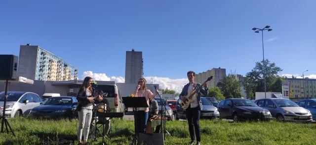 Przez cały weekend muzycy filharmonii wystąpili w ośmiu punktach miasta.