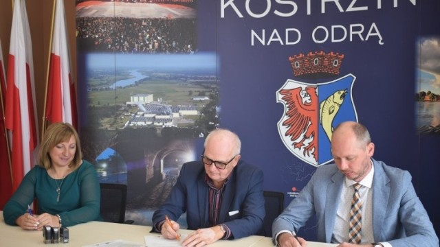 W Kostrzynie podpisano umowę z firmą, która wybuduje nowy park.