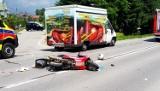 Dramat na drodze pod Nowym Sączem. Ranną motocyklistkę zabrał śmigłowiec LPR
