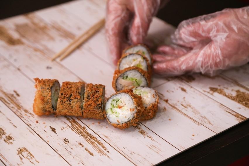 Zebraliśmy najwyżej oceniane restauracje z sushi w Poznaniu....