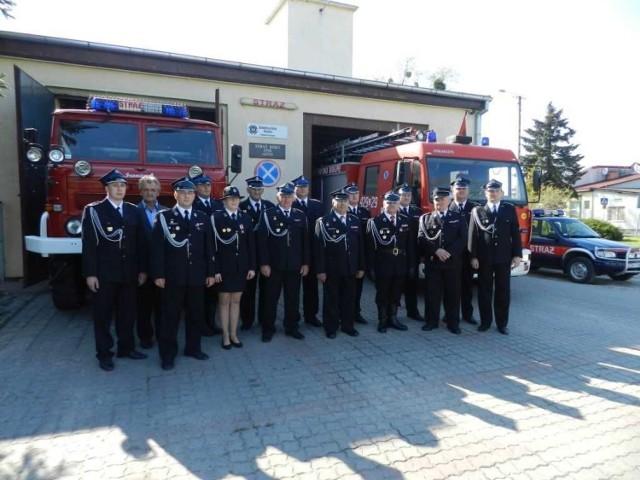 W Papowie Biskupim odbyły się gminne obchody Dnia Strażaka z udziałem druhów z jednostek OSP Dubielno, OSP Firlus oraz OSP Papowo Biskupie. Dla papowskich ochotników była to również okazja do świętowania 90. rocznicy działalności  jednostki.