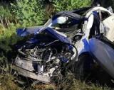 Wypadek pod Poznaniem. W Pruszewcu dachowało auto. Cztery osoby zostały ranne