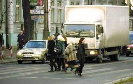 W minionym roku 31 pieszych zginęło w wypadkach drogowych, a 92 doznało obrażeń ciała. ZDJĘCIE: JACENTY DĘDEK