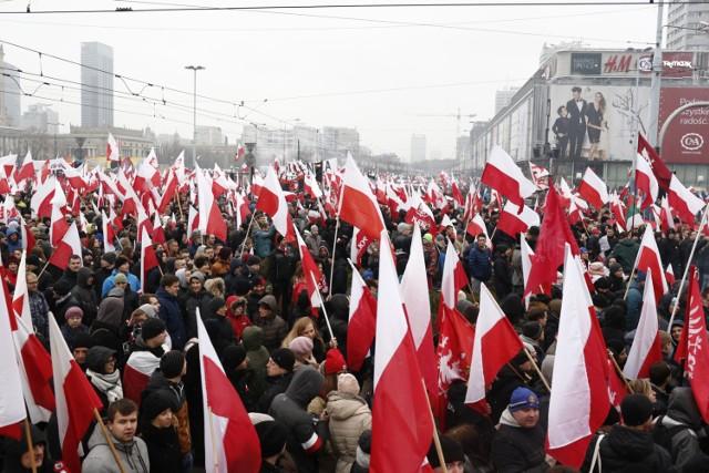 11 listopada ulicami Warszawy ponownie przejdzie Marsz Niepodległości. Pochód przejdzie spod Ronda Dmowskiego pod Stadion Narodowy, przez Marszałkowską i Świętokrzyską. Przed marszem odbędzie się msza święta w kościele św. Barbary. Marsz rozpocznie się o godz. 15.