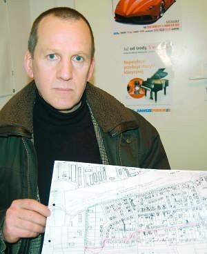 Andrzej Gliwa walczy o zakaz ruchu ciężarówek. fot. mateusz węsierski