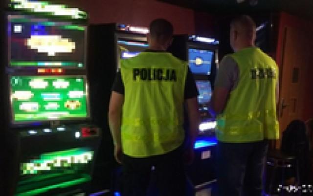 Policja zabezpieczyła nielegalne automaty do gier w Pieńsku