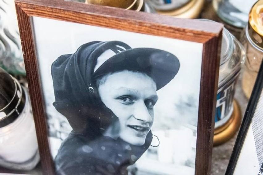 21-letni Adam z Konina został zastrzelony przez policjanta w...