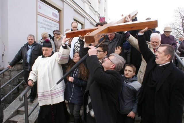 Droga krzyżowa w Kaliszu. Wierni przejdą ulicami miasta