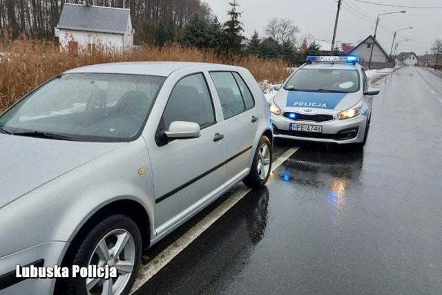 Policjanci z Krosna Odrzańskiego zatrzymali 38-letniego mężczyznę, który wsiadł za kierownicę, mając ponad 2,5 promila alkoholu w organizmie.